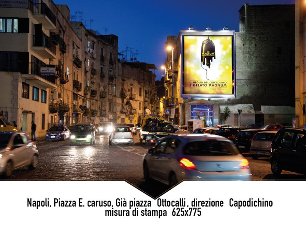 Napoli Piazza E. Caruso